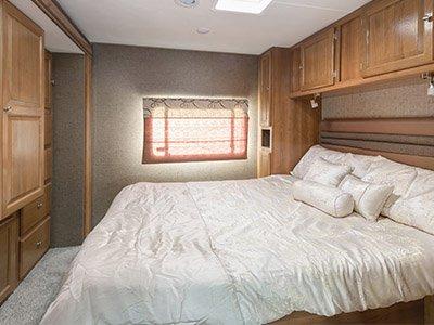 El Monte Cabover Style C28 Rv 6 Berth Campervan Finder